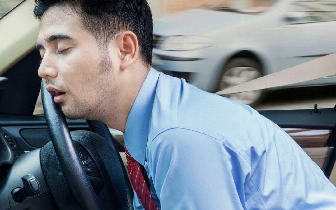 Penyebab Mata Sensitif Terhadap Cahaya Saat Berkendara di Malam Hari