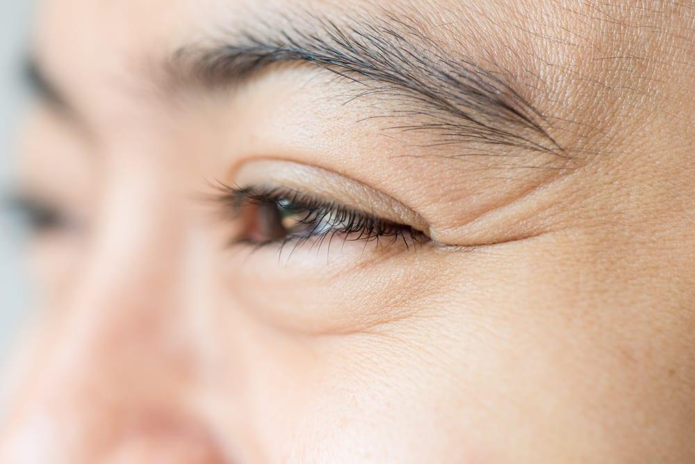 6 Kebiasaan yang Bikin Mata Anda Cepat Tua