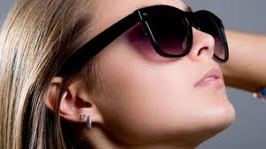 Bahayanya Pakai Kacamata Hitam Murah