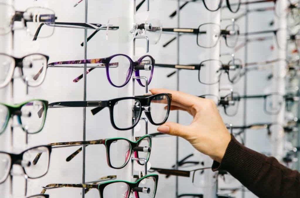 3 Jenis Material Pembentuk Gagang Kacamata dan Kelebihannya