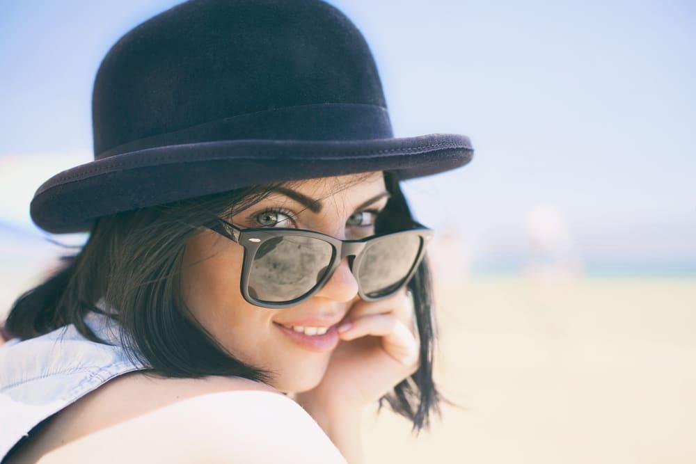 Warna Lensa Kacamata Hitam Bisa Memengaruhi Kesehatan Mata. Warna Apa yang Terbaik?