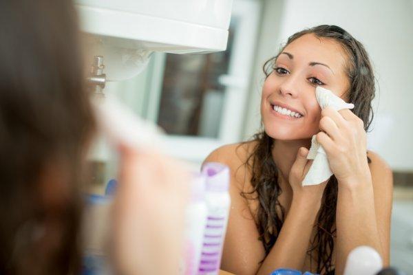 Jaga Mata Tetap Sehat dan Bebas Iritasi Dengan Rekomendasi Produk Pembersih Mata yang Aman Digunakan
