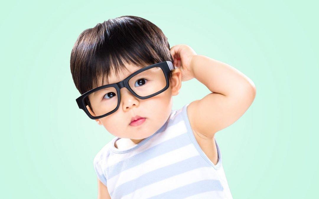 Kenali 5 Tanda Balita Perlu Memakai Kacamata