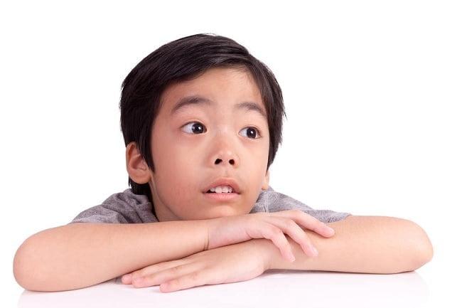 Mengenali dan Mengatasi Gejala Mata Juling Pada Anak