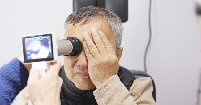 Kenali Berbagai Gangguan Penglihatan pada Lansia