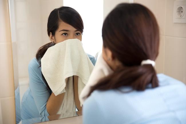 Penyebab Mata Bengkak Saat Hamil dan Cara Mengatasinya