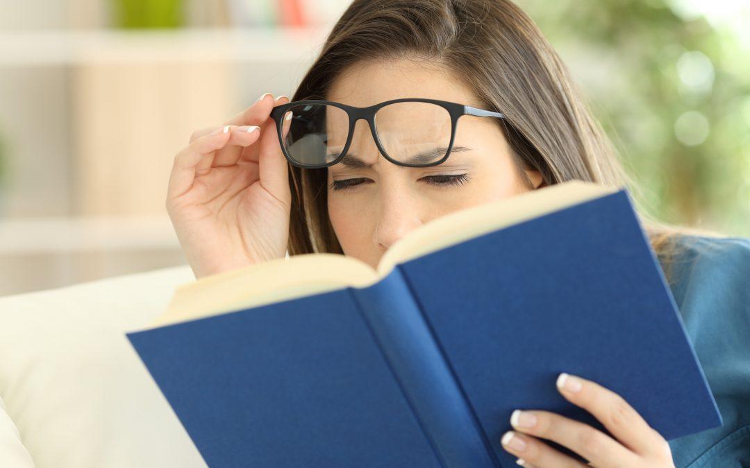 Kaitan Antara Gangguan Visual Presbiopia dan Vision Therapy
