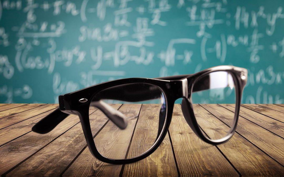 Tahukah Anda Perbedaan Lensa Progresif Mahal VS Murah?