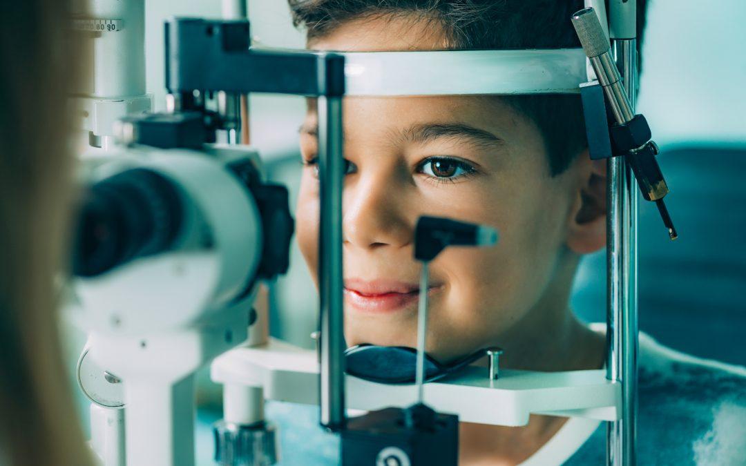 Gangguan Mata Minus? Atasi Secepat Mungkin dengan Terapi Mata Minus