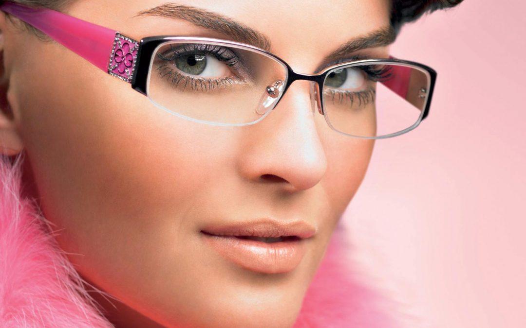 Mitos Atau Fakta: Pakai Kacamata Terus Menerus Malah Minus Makin Naik