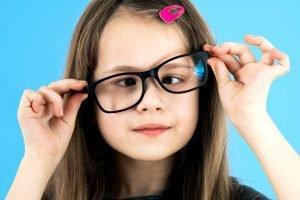 Gangguan Mata Strabismus dan Vision Therapy yang Harus Dilakukan