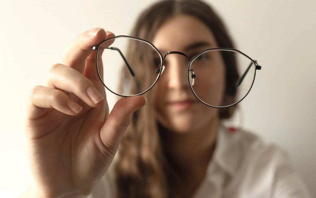Simak Penjelasan Tentang Mata Minus dan Langkah Terapi Mata Minus
