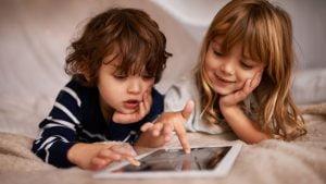 Rekomendasi Screen Time untuk Anak-Anak yang Tepat