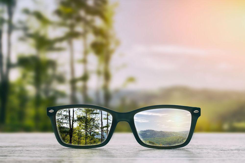 Simak Penyebab Mata Minus Selalu Bertambah dan Tanda Minus Anda Telah Bertambah